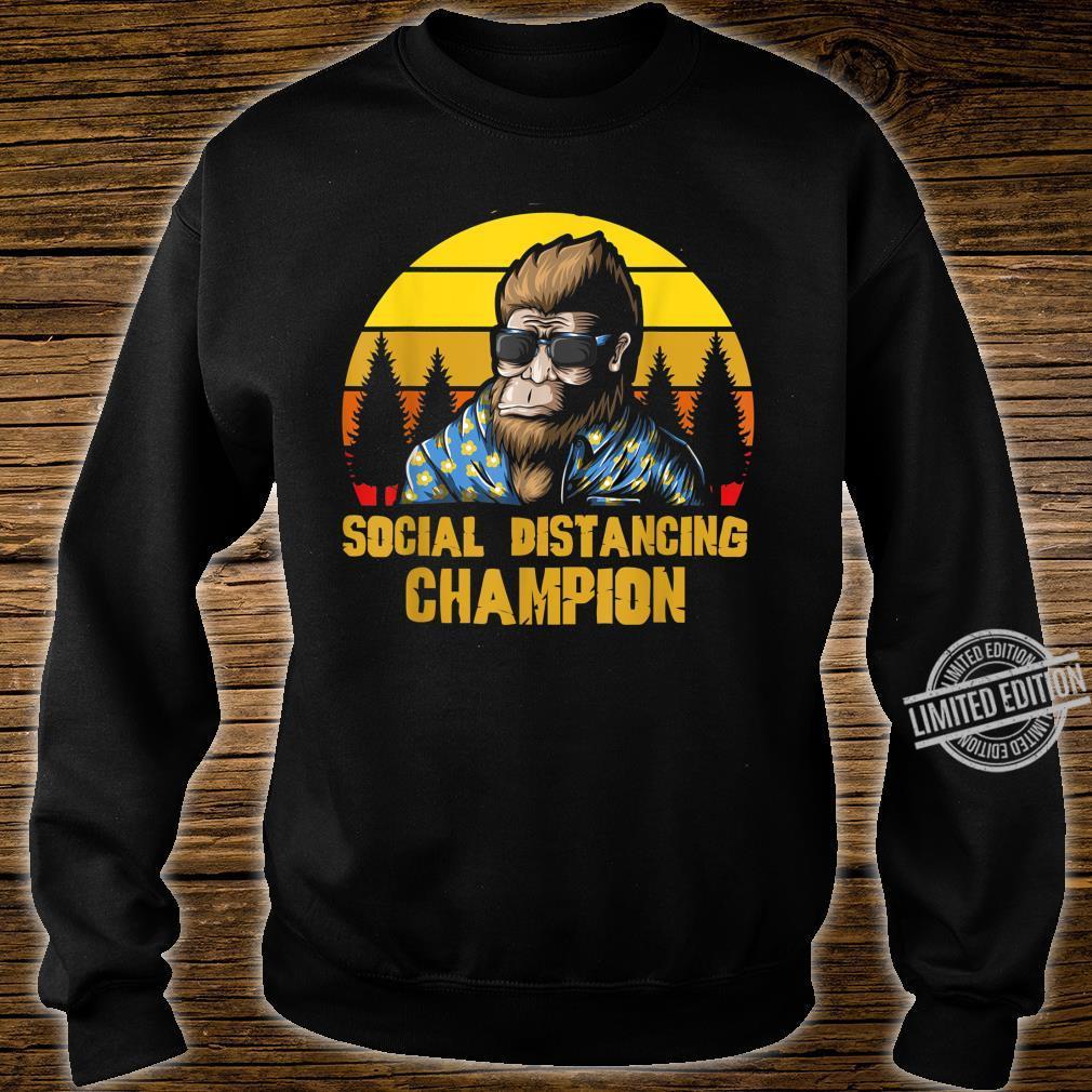 Social Distancing Champion Lustiger Retro Vintage Bigfoot Shirt sweater