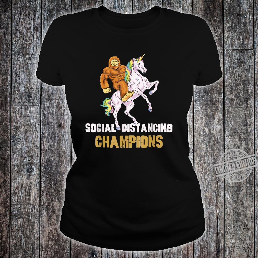 Social Distancing Champions Lustiges BigfootEinhorn Shirt ladies tee