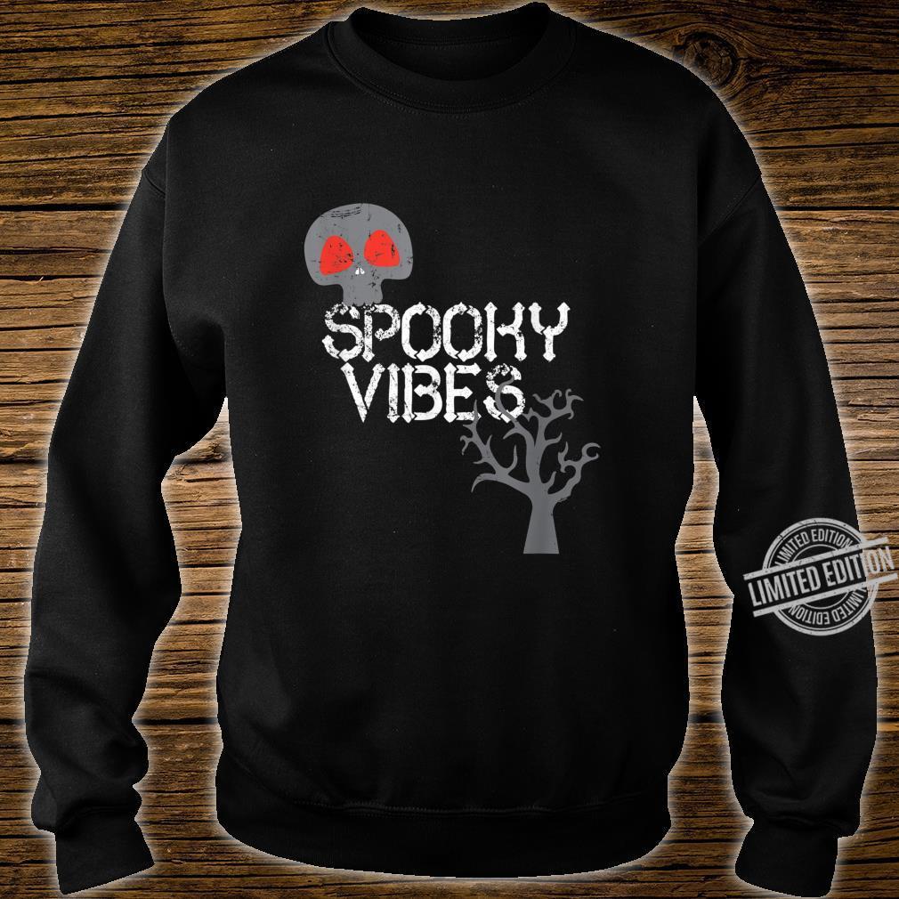 Spooky Vibes Baum Skeleton Schädel Halloween Trick Or Treat Shirt sweater